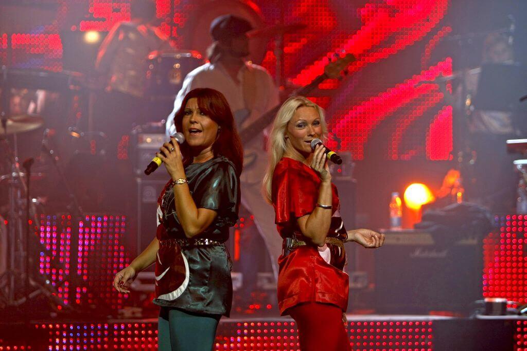 04_ABBA the Show_Katja u Camilla Fotograf_ Herbert Schulze.jpg