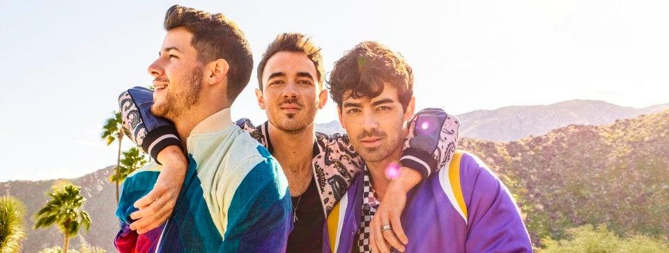 2020 - Jonas Brothers Pressshot_MT.jpg