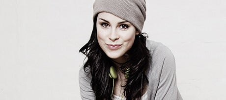 Lena Meyer-Landrut_Bild4_2010 - CMS Source_460x205.jpg
