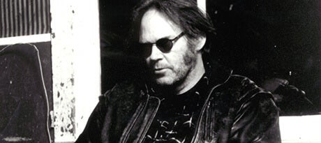 Neil_Young_Portrait_4668_460x205.jpg
