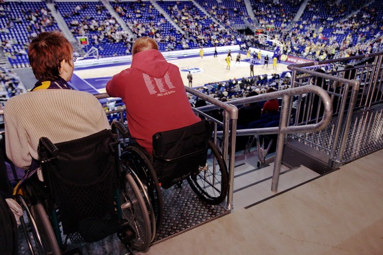 Wheelchair users mercedes benz arena berlin for Mercedes benz stadium box office hours